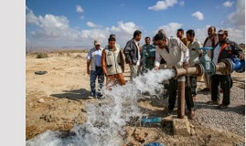 الامارات  تدشن افتتاح بئرين مياه في مديرية الشحر بمحافظة حضرموت