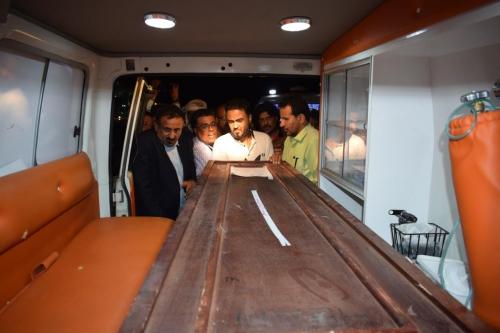 وصول جثماني الشهيدين  عدنان موانس  ومحمد عبدالمولى  إلى مطار عدن الدولي
