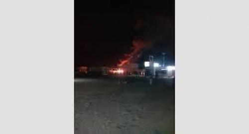 عاجل.. حريق يلتهم محطة وقود بمدخل مدينة المكلا بحضرموت