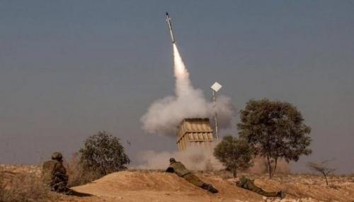 صواريخ غزة تشعل صفارات الإنذار في تل أبيب
