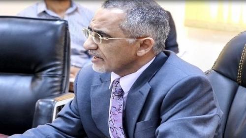 """زمام يكشف عن اكتمال 3 قطاعات رئيسية في البنك المركزي وحقيقة خلافه مع """"معياد"""" وما سبب تدهور الريال اليمني.. تفاصيل"""