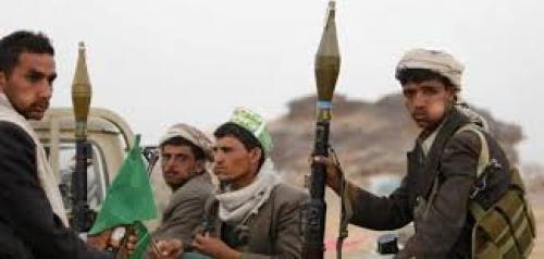 بينهم نساء وأطفال: مقتل وإصابة 18 مواطن بقصف صاروخي للحوثيين على الخوخة