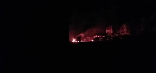 """عاجل.. إنفجار قاطرة """"غاز"""" أمام محطة صبر في لحج"""