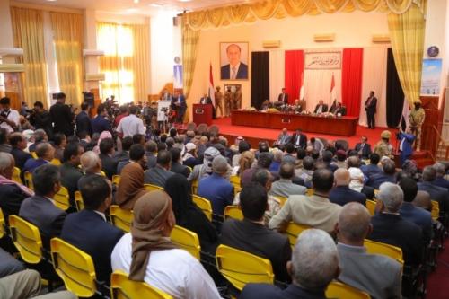 """كيف يتسلل رجالات """"صالح"""" من جديد إلى السلطة في اليمن؟"""