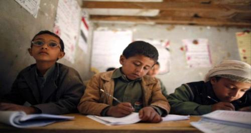 صحيفة العرب: الحوثيون يقودون حملة غسل أدمغة في المدارس
