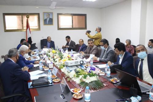 اللجنة الوطنية لتسهيل التجارة تدشن أعمالها بعقد اجتماعها الأول بالعاصمة عدن