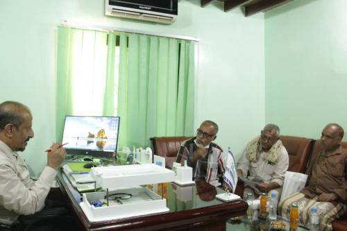 مؤسسة تواصل للتنمية بالهجرين تناقش مع مؤسسة صلة للتنمية فرع دوعن سبل التعاون المشترك بينهما