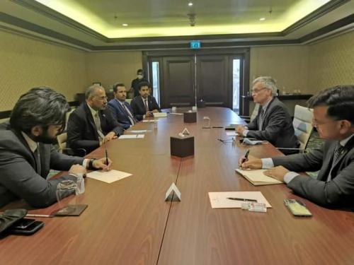 الرئيس القائد عيدروس الزُبيدي يلتقي مبعوث وسفير مملكة السويد
