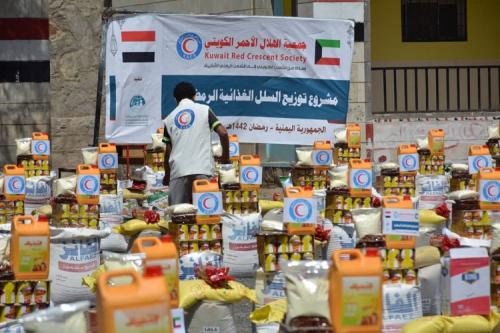 مؤسسة إستجابة تختتم مشروع توزيع 1287سلة غذائية بمحافظات (مأرب - تعز - عدن - صنعاء - حضرموت)