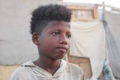 صحيفة الطفل مهند لاشي يعيده إلى منزله سوى السلام