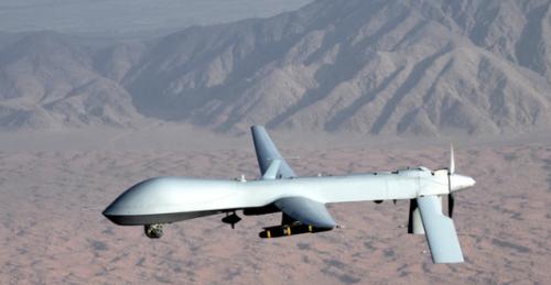 عاجل: طائرة بدون طيار تحلق فوق سماء عدن قبل قليل