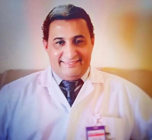 د.عبدالكريم فرحان ممثلا لليمن في جمعية جراحي العمود الفقري بالشرق الأوسط
