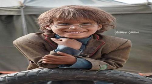 مؤسسة سعودية تشتري نظارة من الأسلاك صنعها طفل يمني بأكثر من مليوني ريال