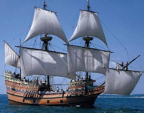 عاجل...اختفاء سفينة في البحر ومحافظ #سقطرى يطالب #التحالف  ومحافظي #حضرموت و #المهرة التدخل لانقاذها