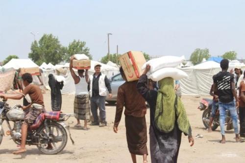 «الهلال» تسلّم «الصحة اليمنية» شحنة أدوية لمكافحة الملاريا «البيان» توثّق معاناة النازحين وجهود الإمارات الإغاثية في لحج