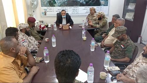 اللجنة الأمنية بمديرية المنصورة  تناقش الإستعدادات لحملة إزالة المخالفات  في عدد من شوارع المديرية