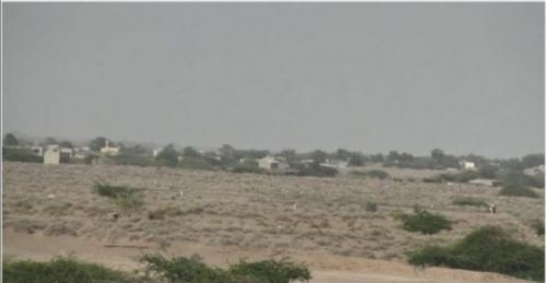 مليشيات الحوثي تطلق نيران أسلحتها المتوسطة على قرى ومزارع المواطنين في منطقة الجاح