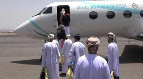 تعرف/ماهي المقترحات التي حملها الوفد العماني عند مغادرة صنعاء وهل يمكن المراهنة عليها لإنهاء أزمة اليمن؟