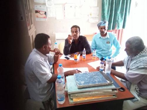 قيادة المجلس الانتقالي بميفعة تعقد لقاء بمسؤولي الخدمات الصحية لمعالجة مشكلة الأوبئة المنتشرة بالمديرية
