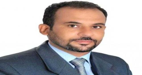 خبير اقتصادي يكشف نسبة مخيفة لتدهور الريال اليمني خلال عام واحد فقط
