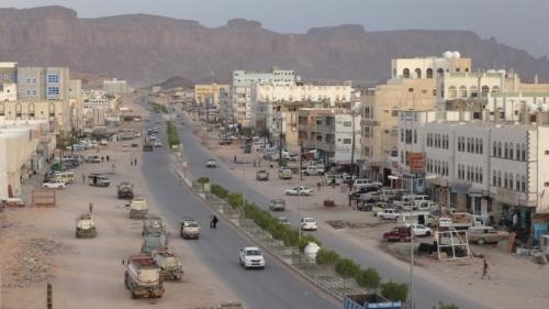 """عاجل : وفد من التحالف العربي يصل """"عتق"""" عاصمة محافظة شبوة لحضور اجتماع كبير"""