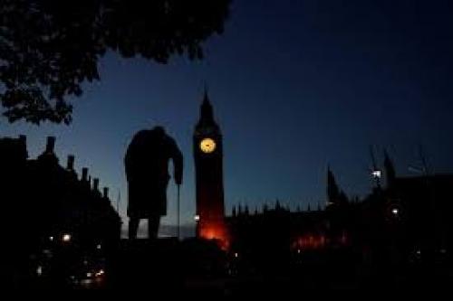 ديلي تليغراف: وزراء بريطانيون يضعون خططا تهدف إلى فرض عقوبات على #إيران رداً على احتجازها ناقلة نفط بريطانية في مياه #عمان