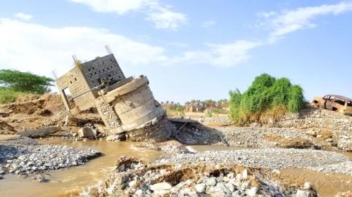 سكان: خورة من أكثر مناطق شبوة تضررا بالأمطار والسيول