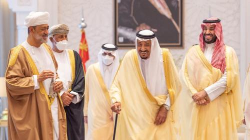 بيان سعودي عماني: الجانبان اكدا تطابق وجهات نظرهما حول مواصلة جهودهما لإنهاء الأزمة اليمنية