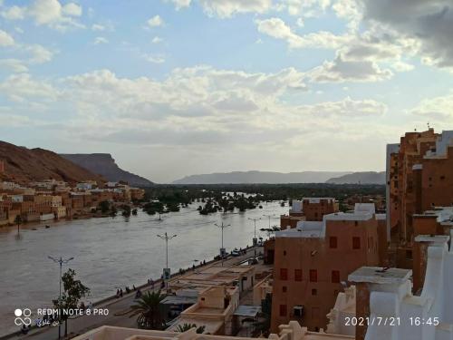 فلكي يمني يحذر المواطنين في هذه المحافظات