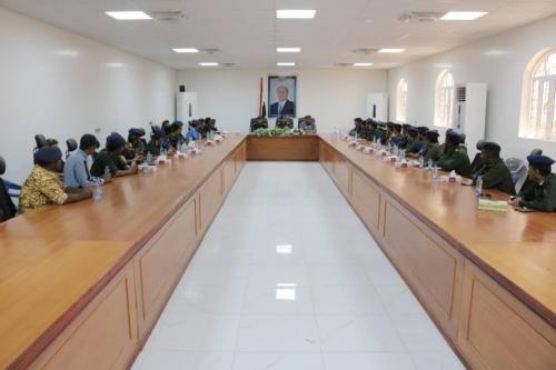وزير الداخلية اللواءحيدان يثمن جهود الأجهزة الأمنية في شبوة