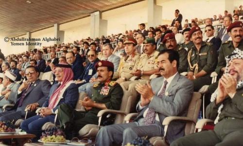صورة نادرة  قد تبكيك ..  صورة خمسة زعماء عرب بقيادة صالح  يجتمعون في صنعاء قبل 30 عام