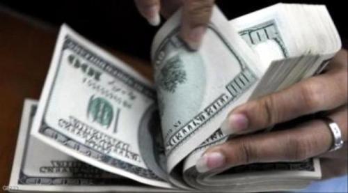 """الدولار يسحق الريال اليـمني بشكل كارثي وغير مسبوق """"تفاصيل"""""""