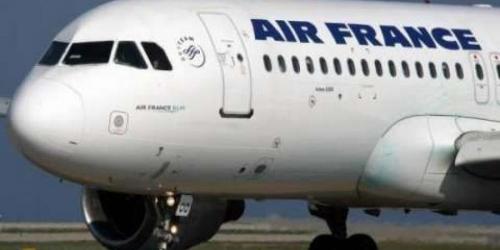 """شركة طيران فرنسية تعلن إفلاسها.. و""""إير فرانس"""" تعرض الاستحوا"""