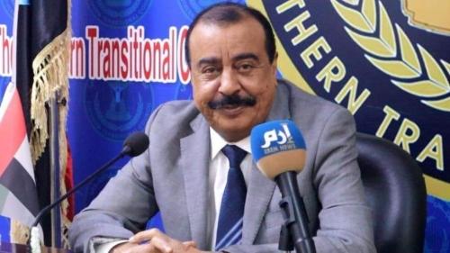 اللواءبن بريك  لـ إرم نيوز: كشفت سرقة الحكومة والحوثيين لنفط حضرموت ولدى وفدنا في جدة أدلة على الفساد