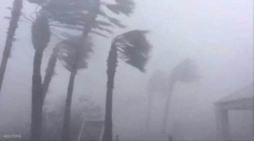 الإعصار مايكل يطبق على فلوريدا ويعد بالأسوأ