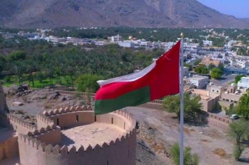 تحول مفاجئ ولافت في الموقف العماني إزاء الأزمة اليمنية