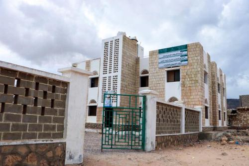 البرنامج السعودي لتنمية وإعمار اليمن يجهّز ويعيد  تأهيل مركز نوجد الصحي في سقطرى