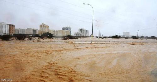 شاهين يضرب اليابسة في عمان ويتحول إلى عاصفة مدارية