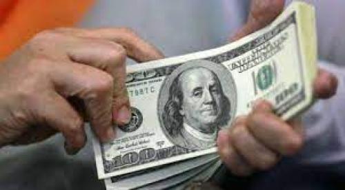 الغاء التعامل بالعملات الاجنبية بالمعاملات التجارية هل سيوقف انهيار العملة المحلية؟