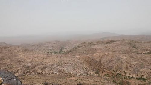 """مليشيا الحوثي تشن هجمات انتحارية بالدراجات النارية على """"العبدية""""  في مأرب"""