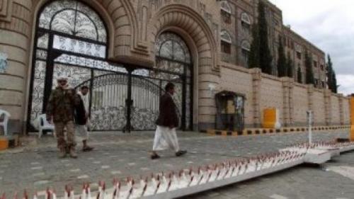 ثاني وزير ينشق من حكومة المليشيا ويصل الرياض