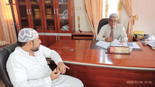 مؤسسة بسمة حضرموت تناقش مع مدير عام الثقافة بوادي  حضرموت تنفيذ إقامة معرض الكتاب والقهوة