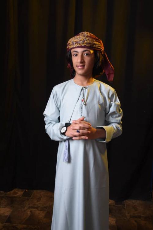 شبل اليمن المبدع عبدالله البجيري يهدي سلطنة عمان شيلة في يومها الوطني الـ50