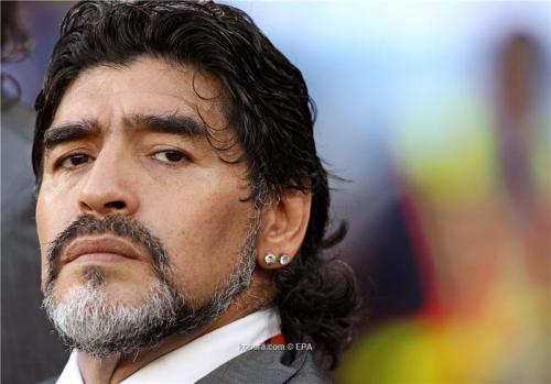 نقل جثمان مارادونا بعد محاولات اقتحام قصر روسادا