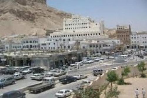 """عاجل """"الأجهزة الأمنية بمديرية تريم في أسرع عملية قبض تضبط قاتل الشاب أيمن باداؤد بعد ساعة من مقتله"""