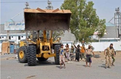 مستشفيات الحديدة تستقبل 17 جريحاً لمليشيا الحوثي