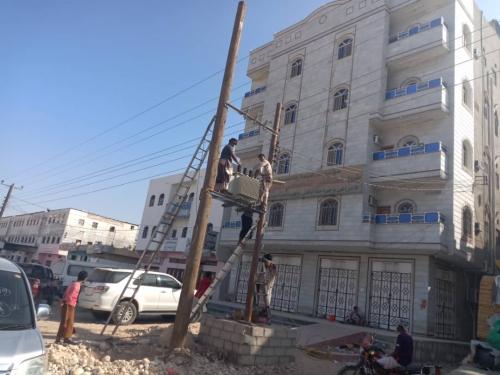 """كهرباء  شبوة تقدم محول كهرباء (200KVA)  دعما"""" للمستشفى التخصصي  الخيري للكلى بعزان شبوة"""