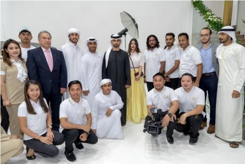 الشيخ منصور بن محمد  آل مكتوم يفتتح استوديو زعبيل في دبي