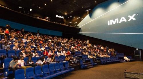 بعد يوم من انطلاق السينما في السعودية... تشغيل 600 شاشة عرض