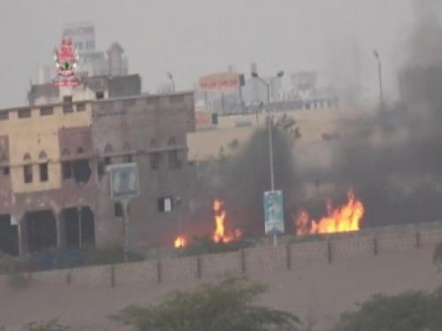 فيديو مثير.. التحام مباشر من مسافة صفر بين العمالقة والحوثيين في مدينة الحديدة